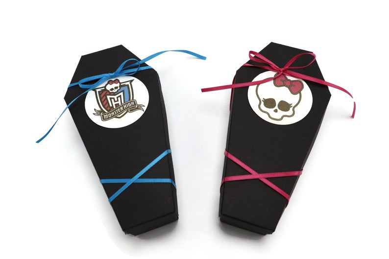 Ideas For Halloween Wedding Favors, Coffin Treat Boxes