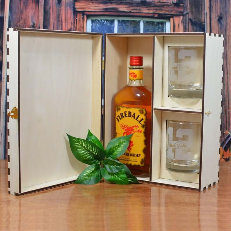 best man and Groomsmen alcohol gift boxes -